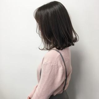 ダークグレー ナチュラル 透明感カラー ミディアム ヘアスタイルや髪型の写真・画像