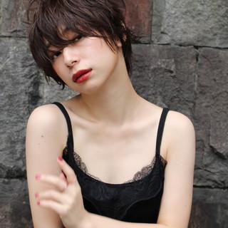 ショート ショートボブ 濡れ髪スタイル ナチュラル ヘアスタイルや髪型の写真・画像