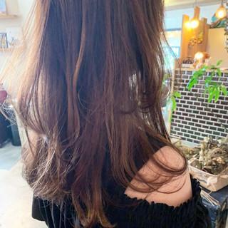 ベージュ ヌーディーベージュ ナチュラル セミロング ヘアスタイルや髪型の写真・画像