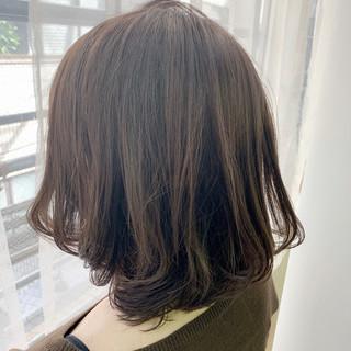 ミルクティーベージュ ヌーディーベージュ 抜け感 ショート ヘアスタイルや髪型の写真・画像 ヘアスタイルや髪型の写真・画像