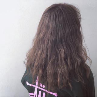 アンニュイほつれヘア ヘアアレンジ グレージュ ガーリー ヘアスタイルや髪型の写真・画像