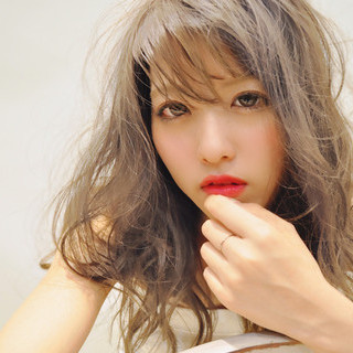 セミロング 透明感カラー デートヘア 外国人風カラー ヘアスタイルや髪型の写真・画像