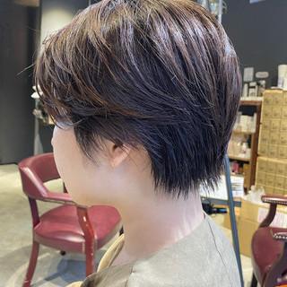 ハンサムショート ショートヘア ナチュラル 前下がりショート ヘアスタイルや髪型の写真・画像