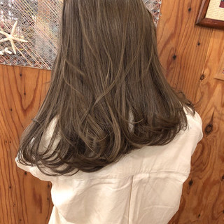 オフィス セミロング アンニュイ ブラウン ヘアスタイルや髪型の写真・画像