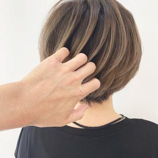 ショートヘア ストリート インナーカラー ショートボブ ヘアスタイルや髪型の写真・画像