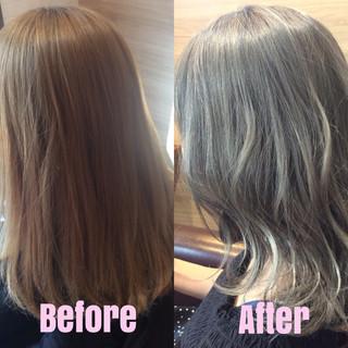 ストリート シルバーアッシュ ブリーチオンカラー シルバー ヘアスタイルや髪型の写真・画像
