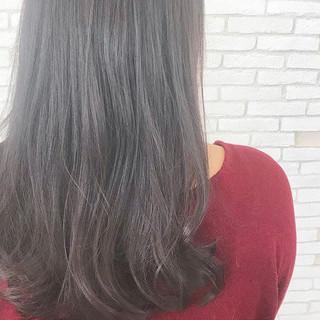 グレージュ ナチュラル ロング 外国人風カラー ヘアスタイルや髪型の写真・画像