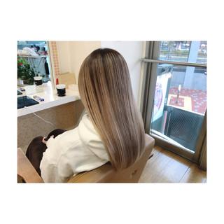 艶髪 ブリーチカラー ナチュラル ロング ヘアスタイルや髪型の写真・画像