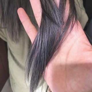 シルバーアッシュ ブリーチカラー ナチュラル アディクシーカラー ヘアスタイルや髪型の写真・画像