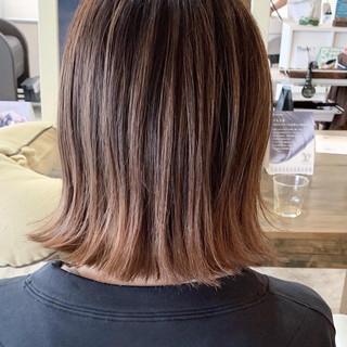 バレイヤージュ ダブルカラー ストリート ボブ ヘアスタイルや髪型の写真・画像