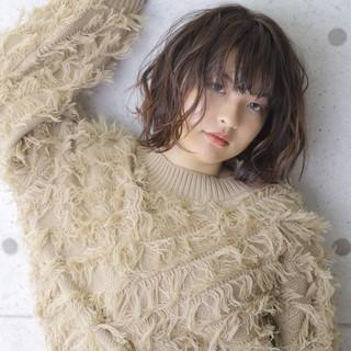 外ハネ 秋冬スタイル ブラウン ナチュラル ヘアスタイルや髪型の写真・画像
