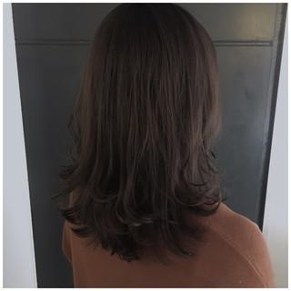 ミディアム くすみカラー ラベンダーグレージュ アッシュグレージュ ヘアスタイルや髪型の写真・画像