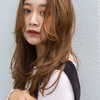 外国人風 ナチュラル ロング ゆるウェーブ ヘアスタイルや髪型の写真・画像