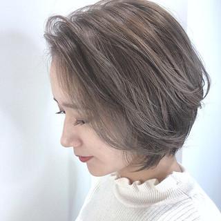 ショート ミルクティーベージュ ショートボブ グレージュ ヘアスタイルや髪型の写真・画像