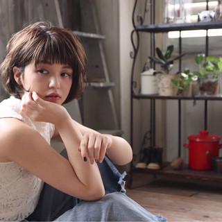 ショートボブ ハイライト 秋 フェミニン ヘアスタイルや髪型の写真・画像