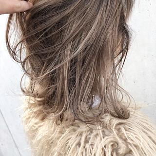 結婚式 ミディアム アンニュイほつれヘア ヘアアレンジ ヘアスタイルや髪型の写真・画像