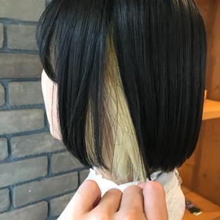 インナーカラー フェミニン ブリーチ アウトドア ヘアスタイルや髪型の写真・画像
