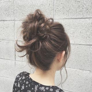 お団子 セミロング ショート 簡単ヘアアレンジ ヘアスタイルや髪型の写真・画像