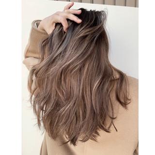 外国人風カラー アウトドア バレイヤージュ ロング ヘアスタイルや髪型の写真・画像