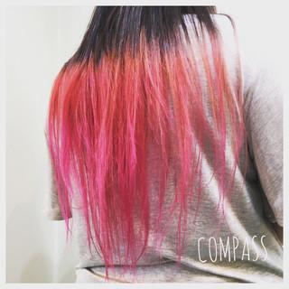 ピンク ロング ストリート ウェーブ ヘアスタイルや髪型の写真・画像