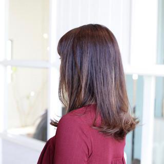 オフィス ニュアンス 小顔 ナチュラル ヘアスタイルや髪型の写真・画像