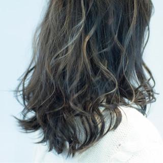ローライト ハイライト モード 外国人風 ヘアスタイルや髪型の写真・画像