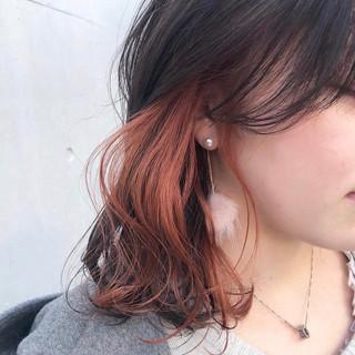 簡単ヘアアレンジ インナーカラー モード オレンジベージュ ヘアスタイルや髪型の写真・画像