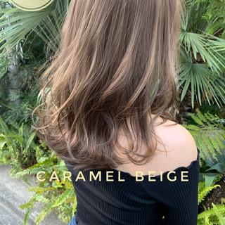 ミディアム 切りっぱなしボブ コンサバ バレイヤージュ ヘアスタイルや髪型の写真・画像