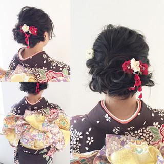 ミディアム 大人かわいい 成人式 暗髪 ヘアスタイルや髪型の写真・画像