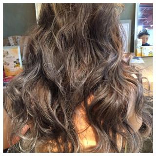 コンサバ パーマ 外国人風 ロング ヘアスタイルや髪型の写真・画像