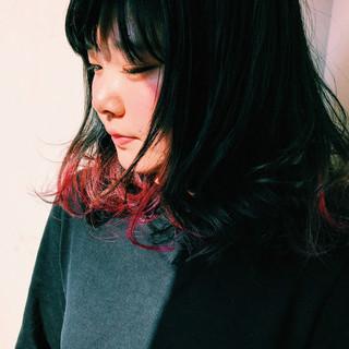 モード インナーカラー ミディアム パーマ ヘアスタイルや髪型の写真・画像