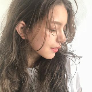 ナチュラル イルミナカラー 透け感アッシュ 抜け感 ヘアスタイルや髪型の写真・画像