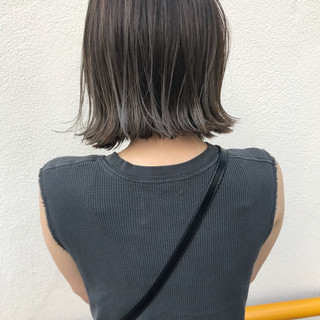 ナチュラル ハイライト 切りっぱなし ロブ ヘアスタイルや髪型の写真・画像