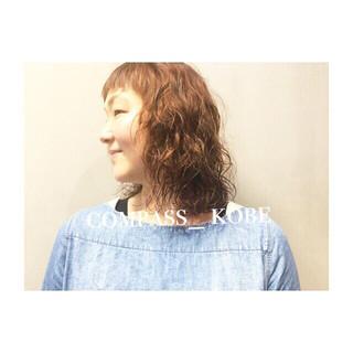 波ウェーブ シースルーバング こなれ感 ワイドバング ヘアスタイルや髪型の写真・画像