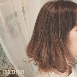 グラデーションカラー ボブ 冬 フェミニン ヘアスタイルや髪型の写真・画像