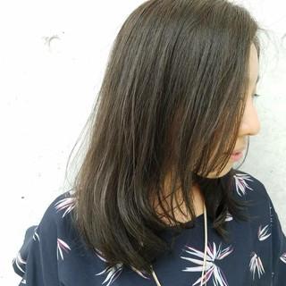 ナチュラル ハイライト グレージュ セミロング ヘアスタイルや髪型の写真・画像 ヘアスタイルや髪型の写真・画像