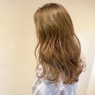 イルミナカラー ゆるふわ ナチュラル アンニュイ ヘアスタイルや髪型の写真・画像