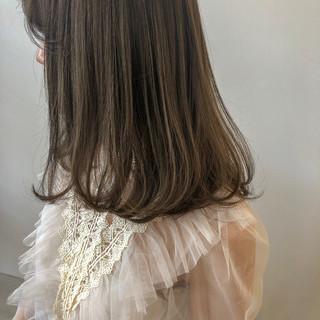 大人かわいい ベージュ 簡単ヘアアレンジ アンニュイほつれヘア ヘアスタイルや髪型の写真・画像