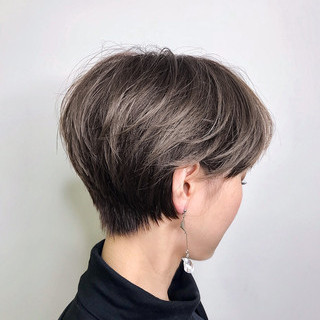 ショートヘア エレガント ハンサムショート 小顔ショート ヘアスタイルや髪型の写真・画像