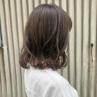 透明感カラー ミディアム アッシュベージュ アッシュ ヘアスタイルや髪型の写真・画像