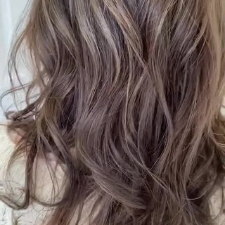 極細ハイライト ストリート グレージュ ハイライト ヘアスタイルや髪型の写真・画像