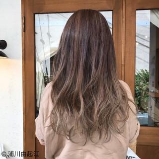 グラデーションカラー ロング デート ハイライト ヘアスタイルや髪型の写真・画像