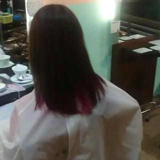 セミロング インナーカラー ストリート ミルクティー ヘアスタイルや髪型の写真・画像 ヘアスタイルや髪型の写真・画像