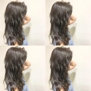 波ウェーブ ストリート ウェットヘア ロング ヘアスタイルや髪型の写真・画像 ヘアスタイルや髪型の写真・画像