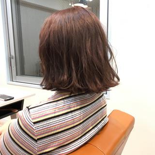 アッシュ ブリーチ モーブ 外ハネ ヘアスタイルや髪型の写真・画像 ヘアスタイルや髪型の写真・画像