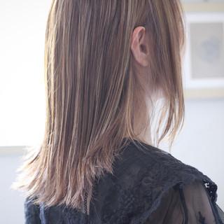 コントラストハイライト グレージュ ナチュラル パープル ヘアスタイルや髪型の写真・画像