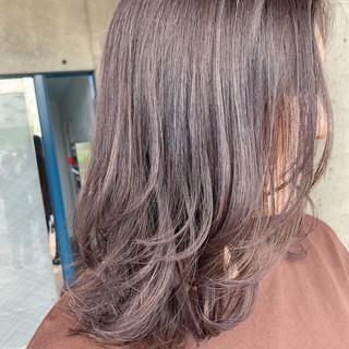 スウィングレイヤー レイヤーカット レイヤースタイル ベージュ ヘアスタイルや髪型の写真・画像
