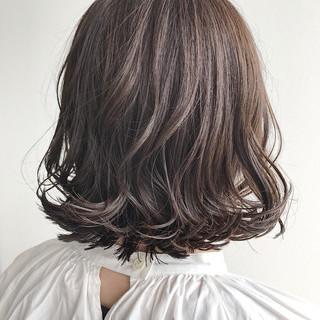 外ハネ ボブ ナチュラル アッシュ ヘアスタイルや髪型の写真・画像 ヘアスタイルや髪型の写真・画像