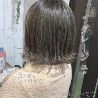 フェミニン ネイビージュ ブルージュ 切りっぱなしボブ ヘアスタイルや髪型の写真・画像