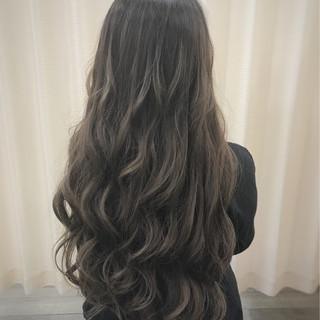 ロング グラデーションカラー 渋谷系 アッシュ ヘアスタイルや髪型の写真・画像